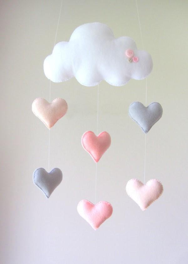 chica-nube-y-corazon-movil