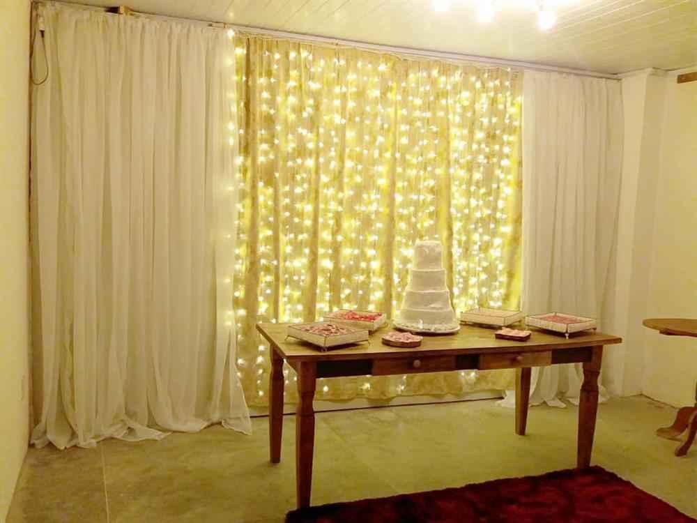 cortina de tela con iluminación