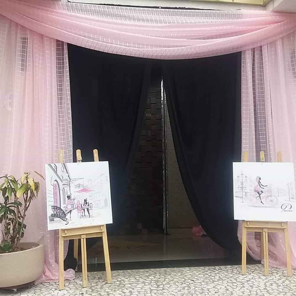 entrada de fiesta con cortina