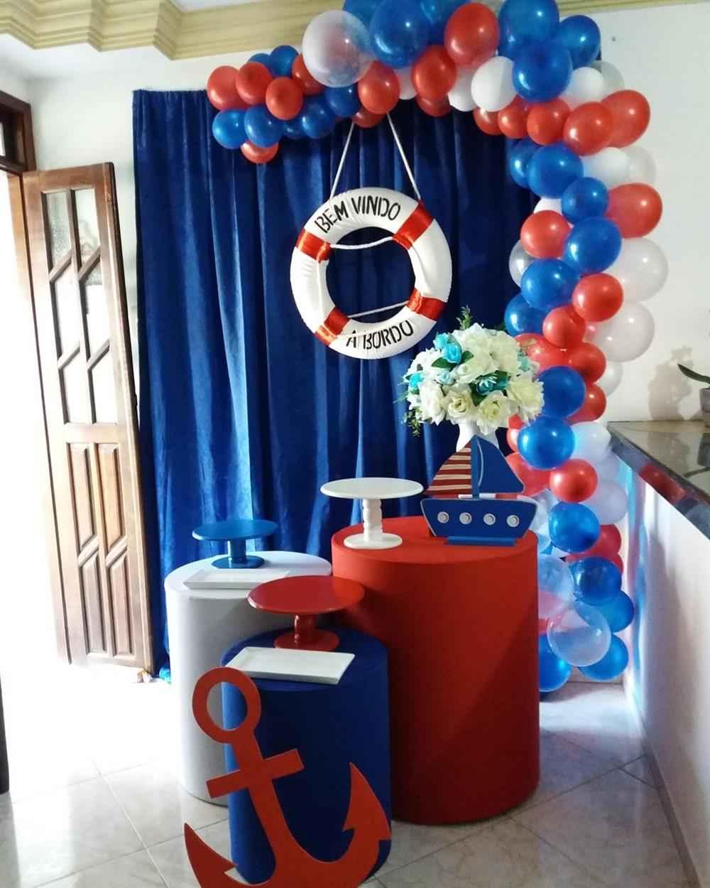 decoración de fiesta infantil con cortina