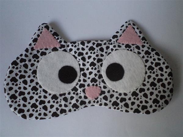 máscara de dormir modelo gatito