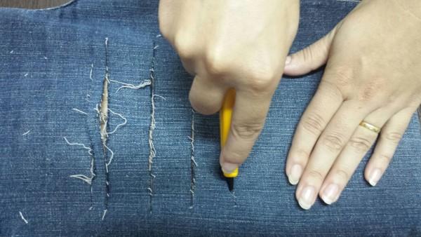 pelea con lápiz