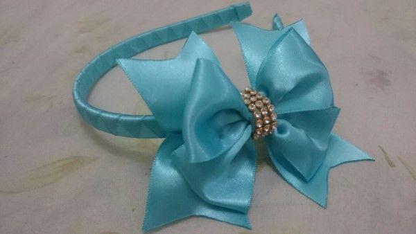 tiara con cinta de raso y lazo