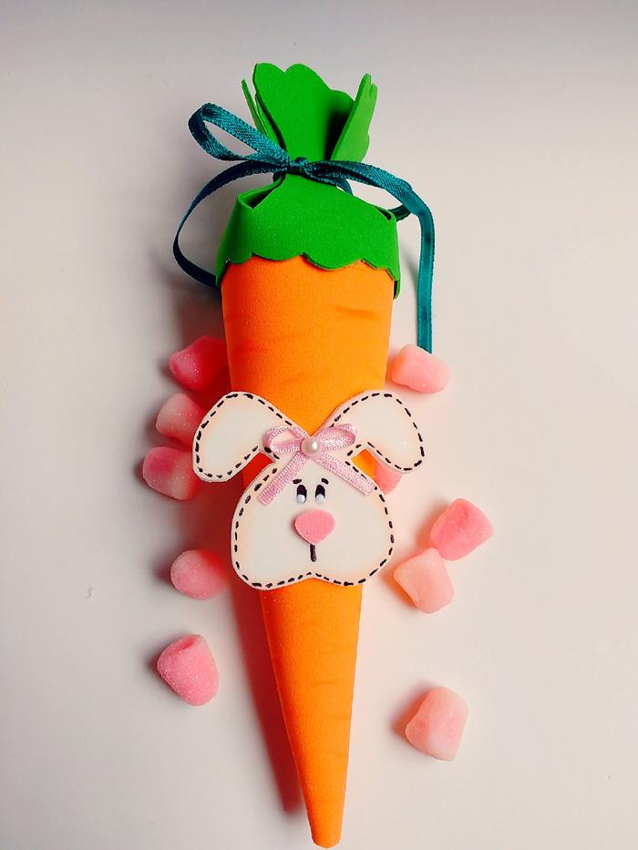 eva zanahoria con conejo