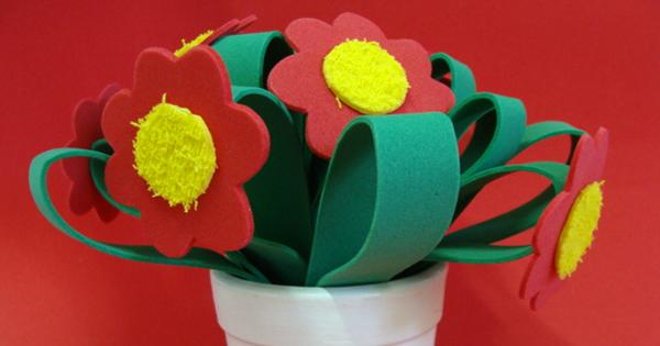 florero con flores de víspera