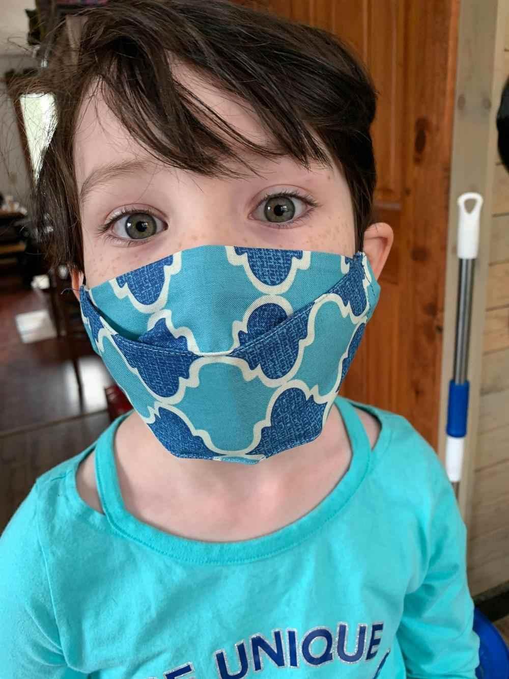 Máscara 3d de tela infantil
