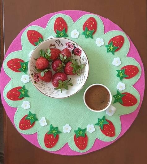 Sousplat de fresa para cocina