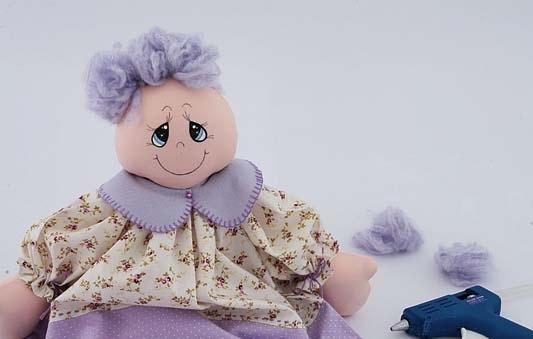 muñeca de tela con lana