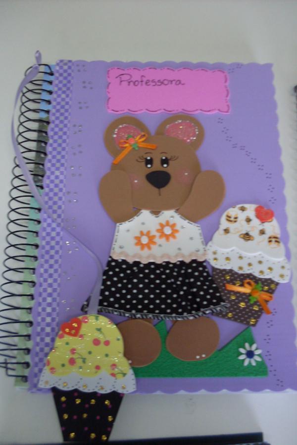 cuaderno con eva con marcador