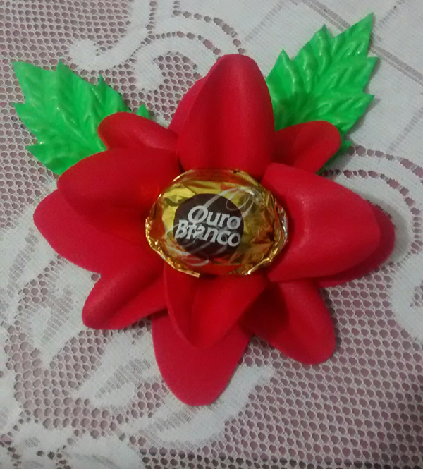 puerta de bombón eva flor roja