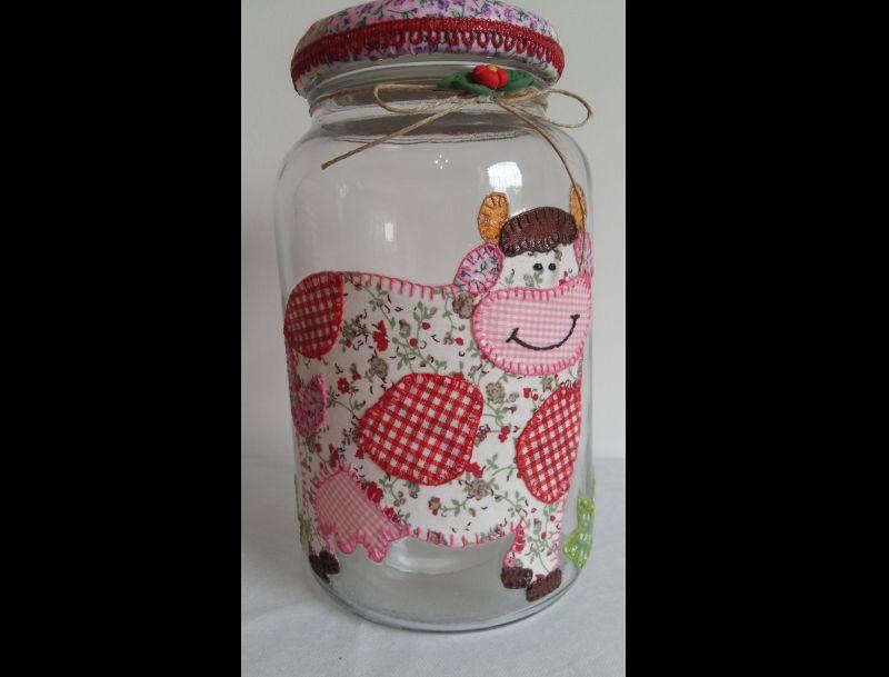maceta de vidrio decorada con tela de patchwork