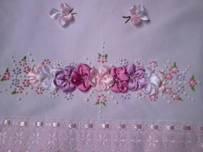 bordado con cintas de mariposa