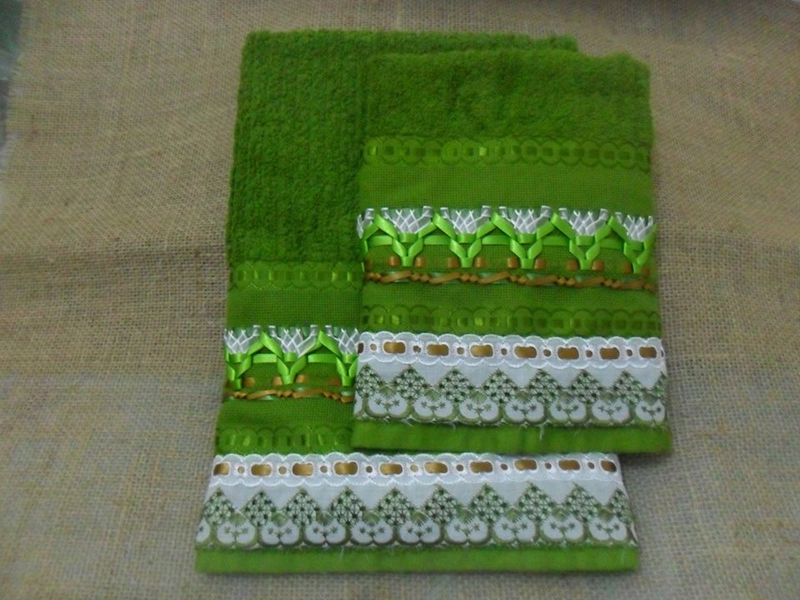 bordado con cintas de toallas