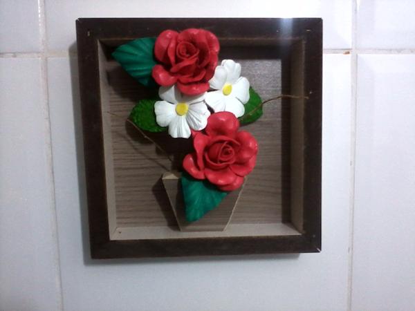 marco con flores de EVA