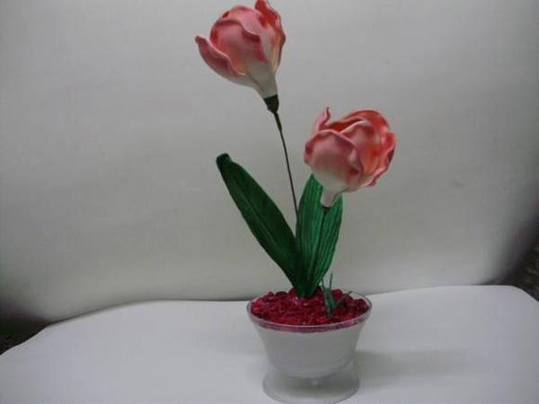 florero con flores de EVA