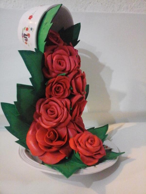 cascada con flores de EVA
