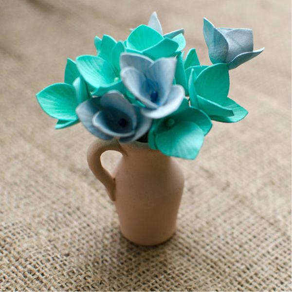 flor de eva azul y verde
