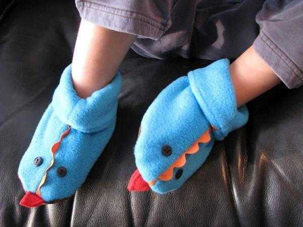 Esta divertida bota para bebé tiene mucho éxito donde quiera que vaya (Foto: cluclu.ru)