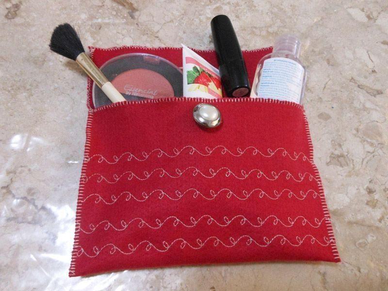 Esta bonita bolsa de fieltro puede incluso salir a caminar (Foto: singer.com.br)