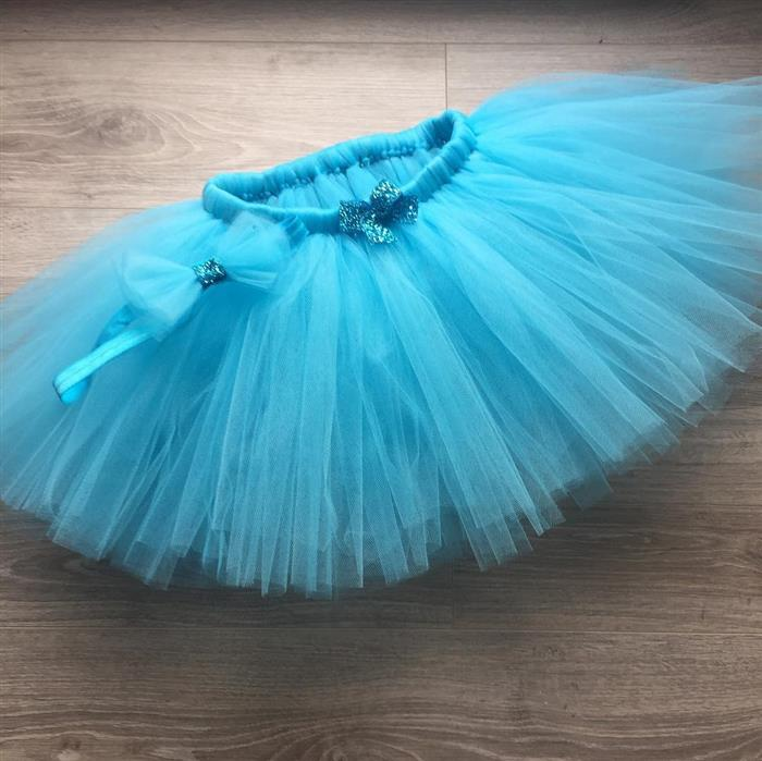falda de tul celeste