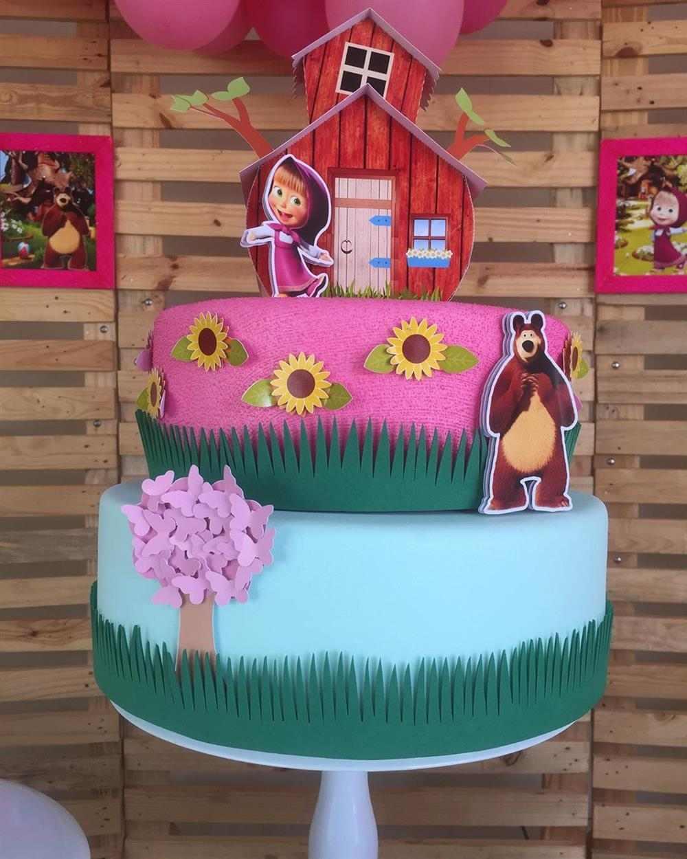 falso pastel de cumpleaños de eva Masha y el oso