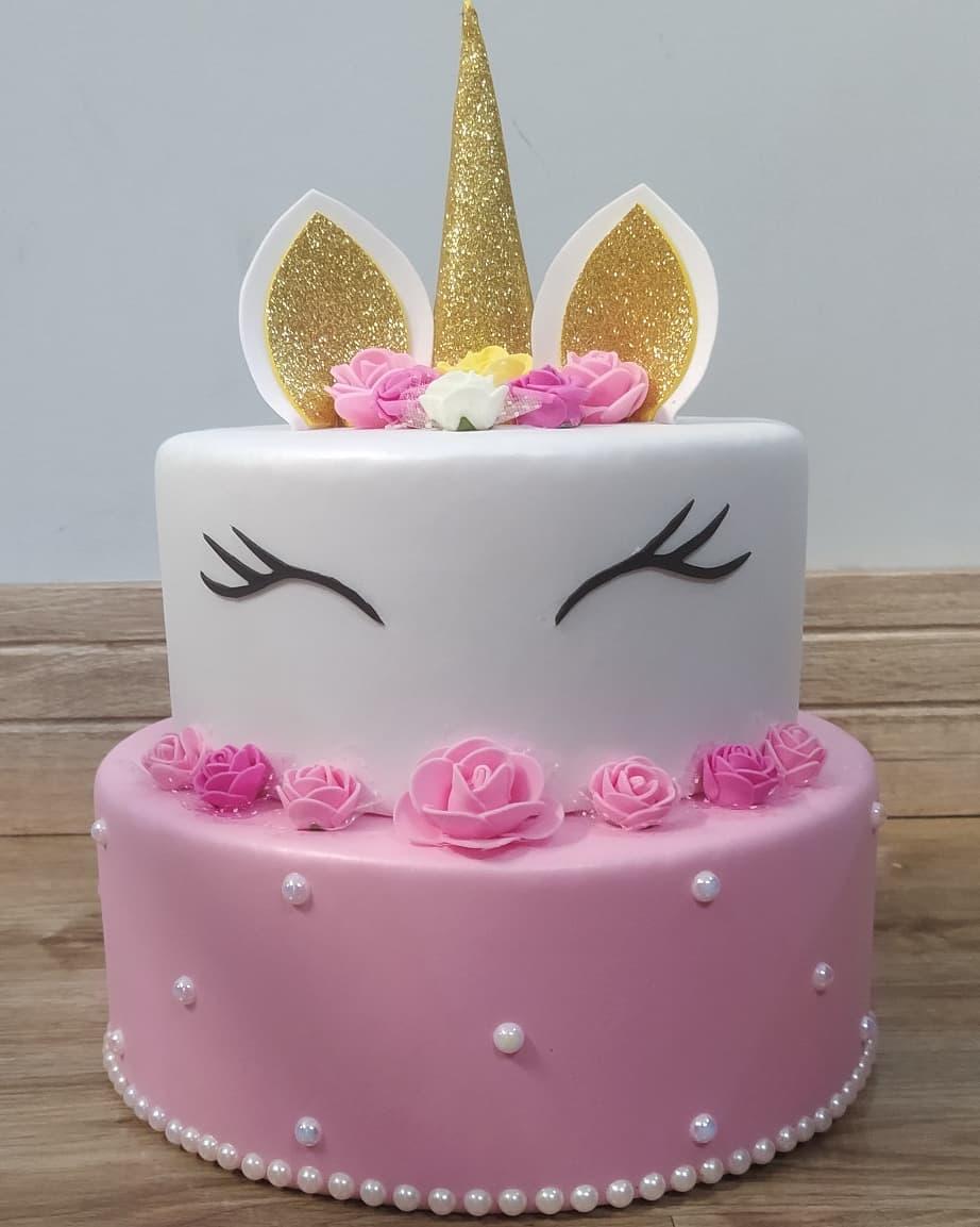 torta falsa unicornio eva 2 pisos