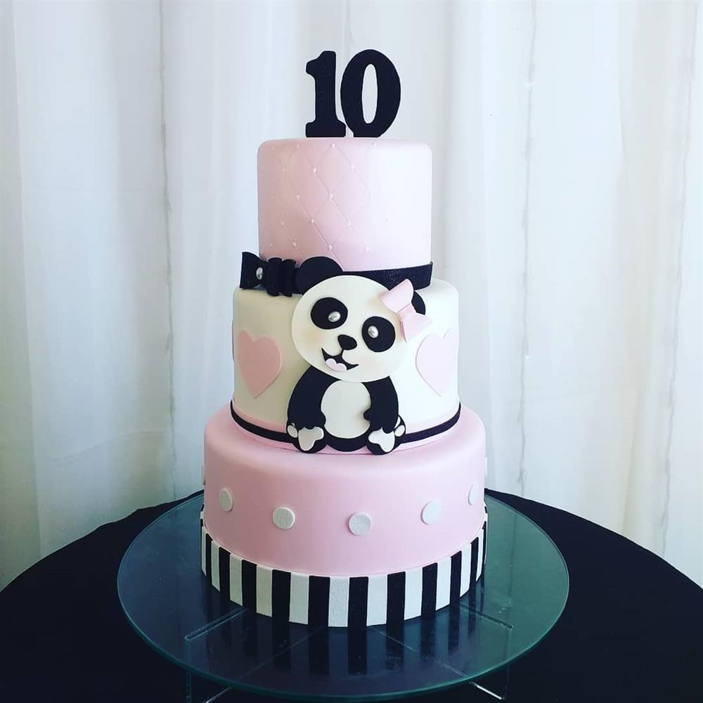 pastel de panda rosa
