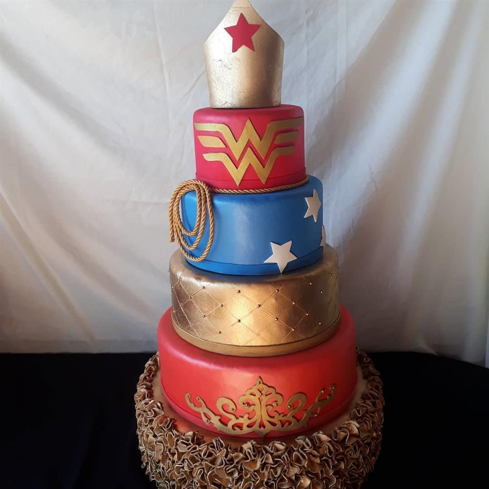 pastel mujer maravilla de lujo