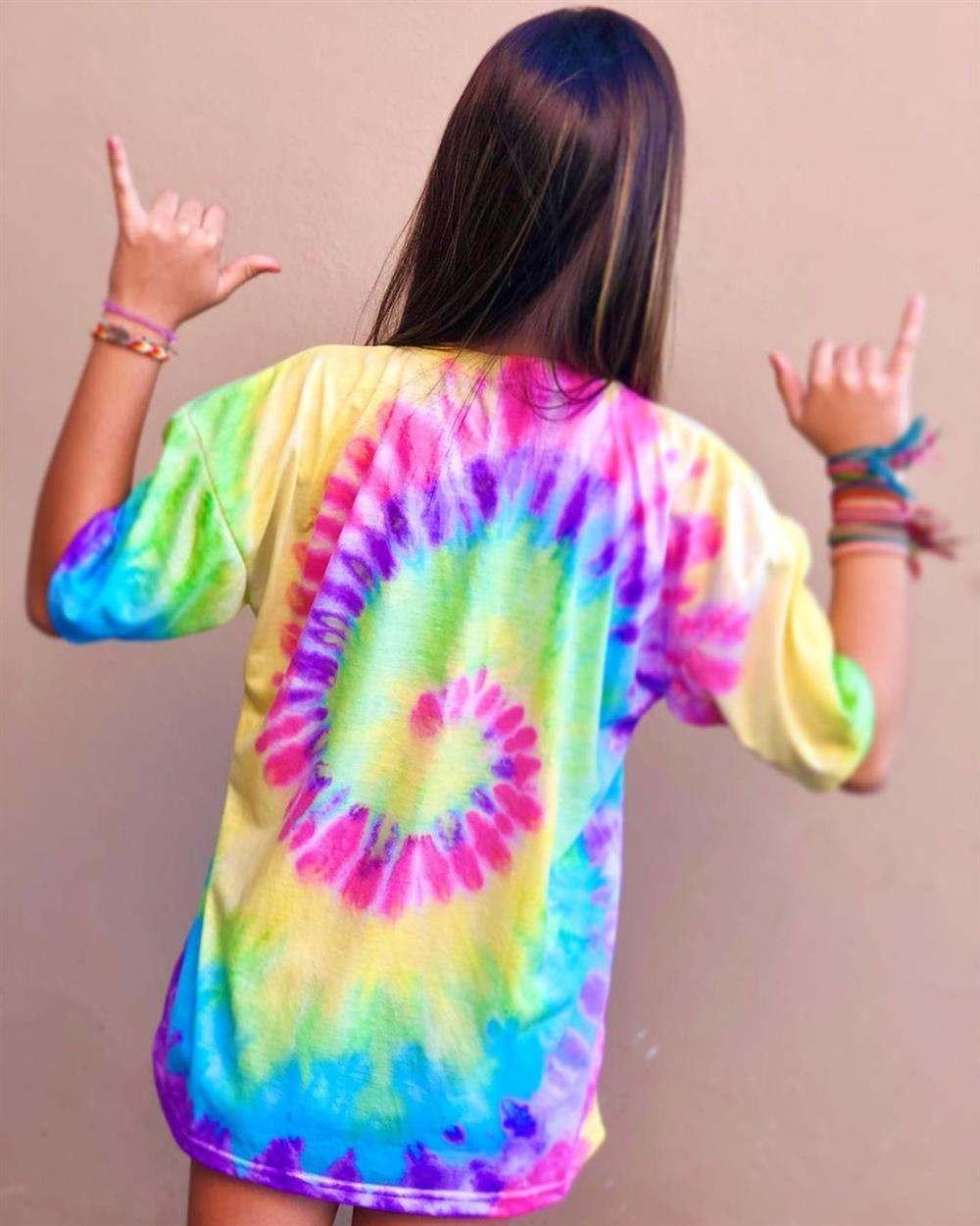 camiseta con efecto tie dye en espiral