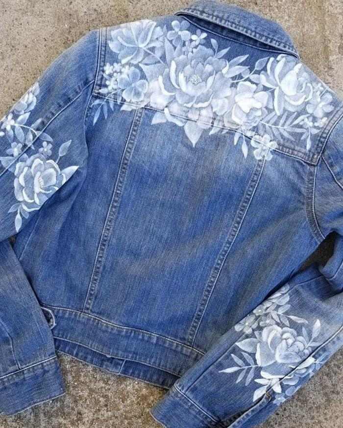 Camiseta con plantilla de rosas