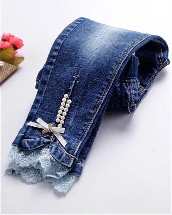 Jeans de mujer con encaje y perlas