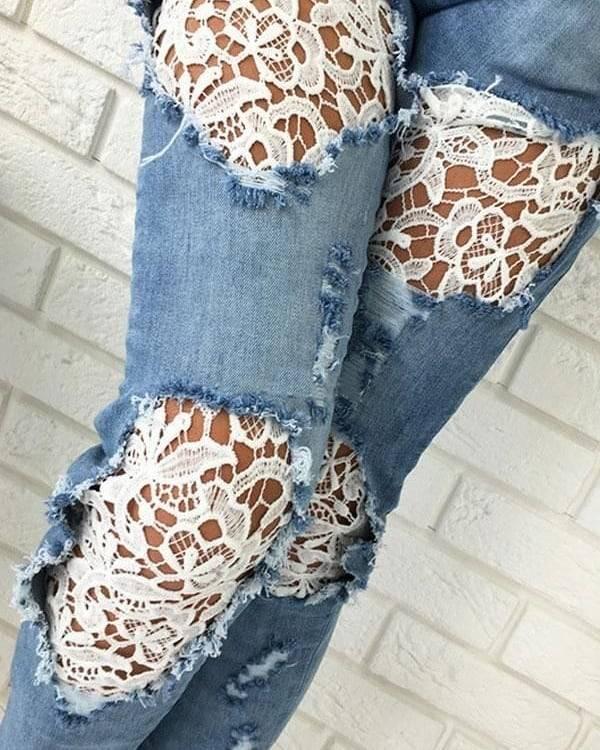 jeans con encaje en la pierna