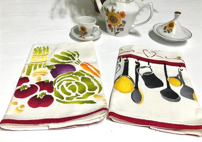 pintura y paño de cocina