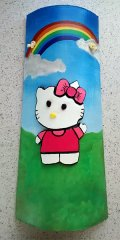 Teja decorada artesanal en relieve hello kitty en el campo