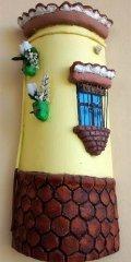 Teja decorada artesanal en relieve: Balcon Colgado